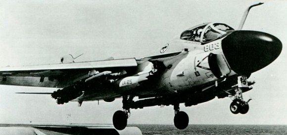 A-6А Intruder из эскадрильи VA-85 Чёрные соколы