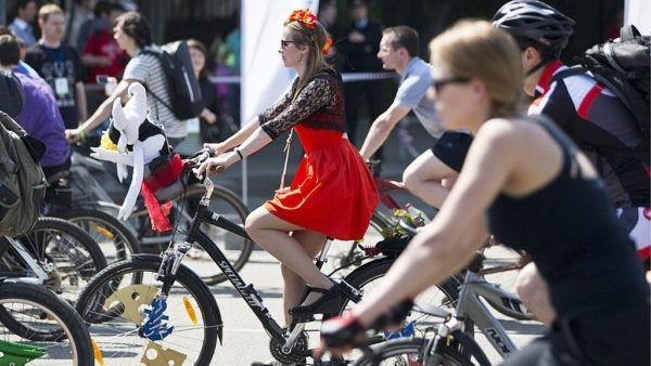 Движение перекрыли из-за велопарада