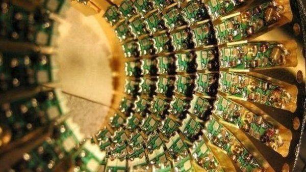 Устройство с 1 миллионом ячеек PCM-памяти компании IBM демонстрирует быстродействие, в 200 раз превосходящее быстродействие традиционных компьютеров