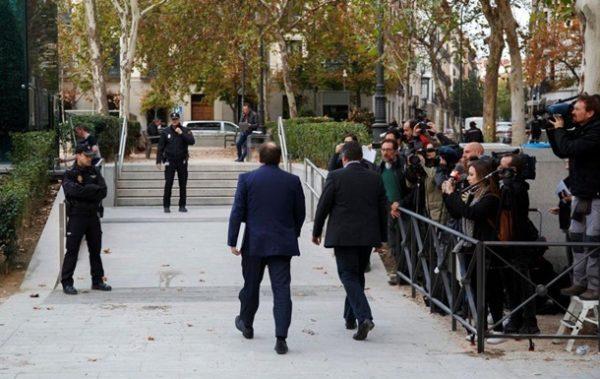 арестовать лидеров Каталонии