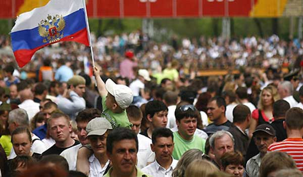 россияне считают Украину врагом