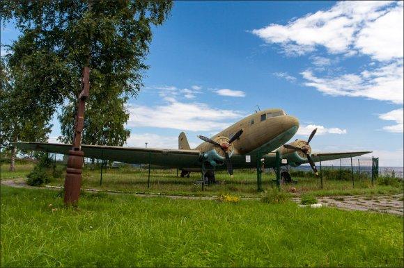 самолёт Ли-2, поднятый со дна Ладожского озера