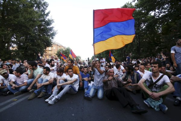 протесты в столице Армении Ереване