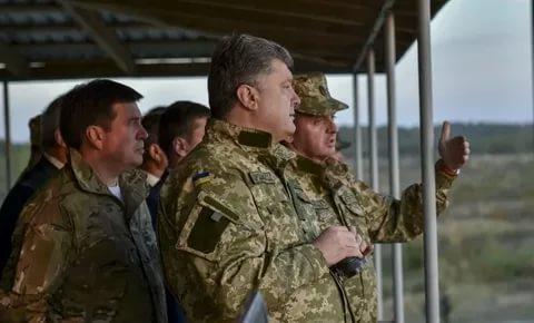 Порошенко проверил готовность войск к отражению российской агрессии с моря