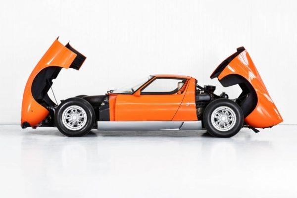 Lamborghini вернула к жизни автомобиль из «Ограбления по-итальянски»