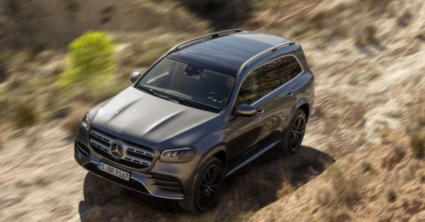 Mercedes-Benz GLS в пустыне