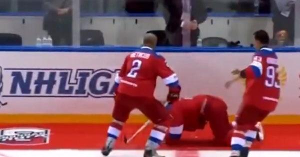 Путин опозорился на хоккейном льду, празднуя победу
